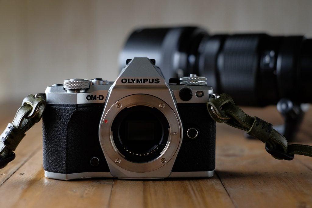 OLYMPUS OM-D E-M5 markII