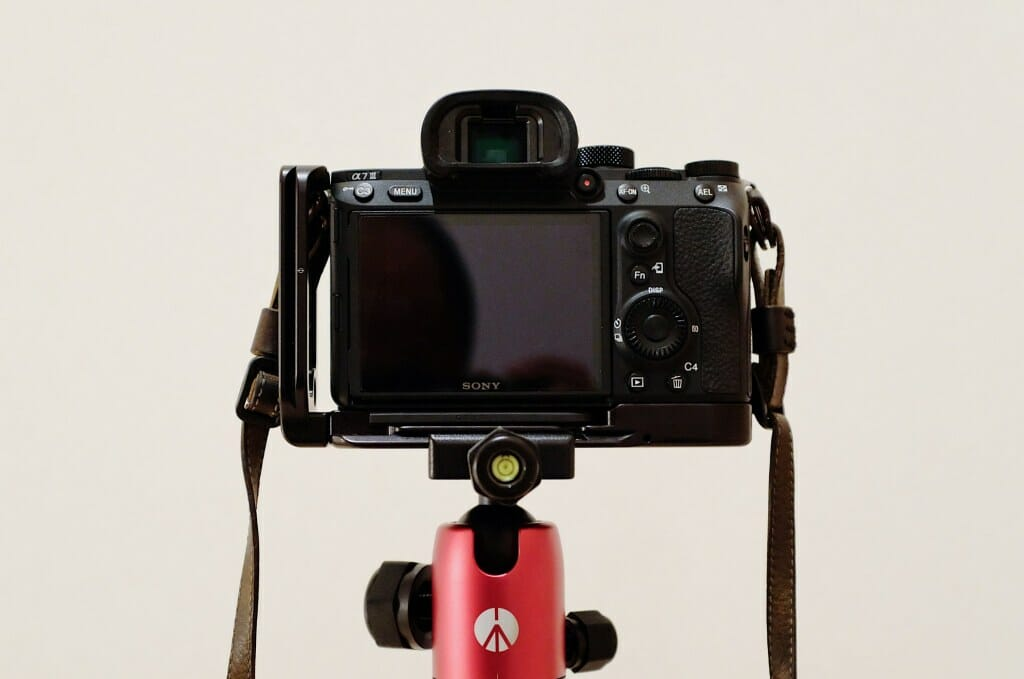 Manfrotto ElementにRRSブラケットを取り付け
